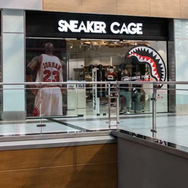 Το ΝΕΟ κατάστημα SNEAKER CAGE στο THE MALL ATHENS έρχεται από το μέλλον.