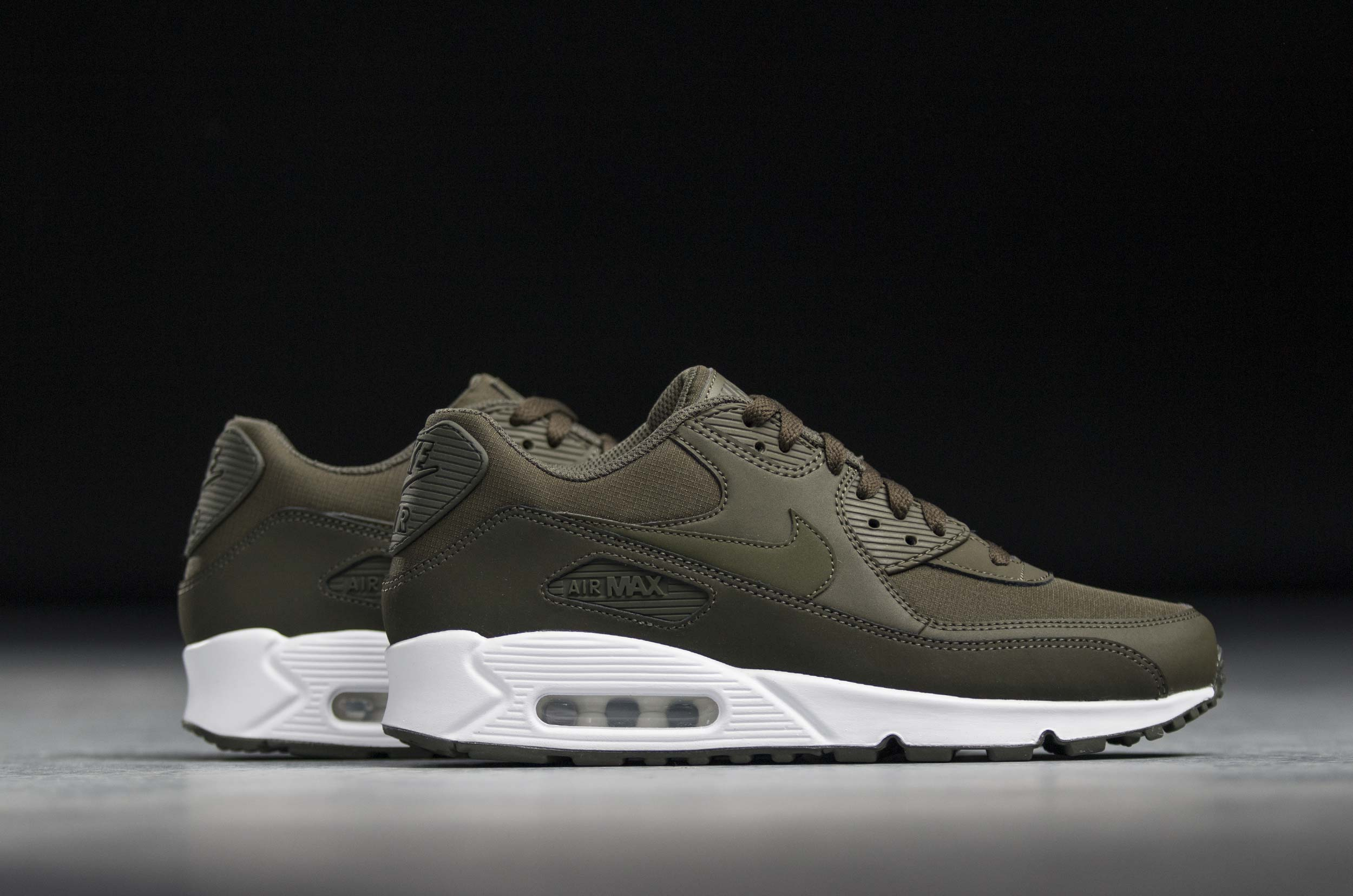 finest selection b9621 29a2a NIKE AIR MAX 90 ESSENTIAL 537384-310 Χακί