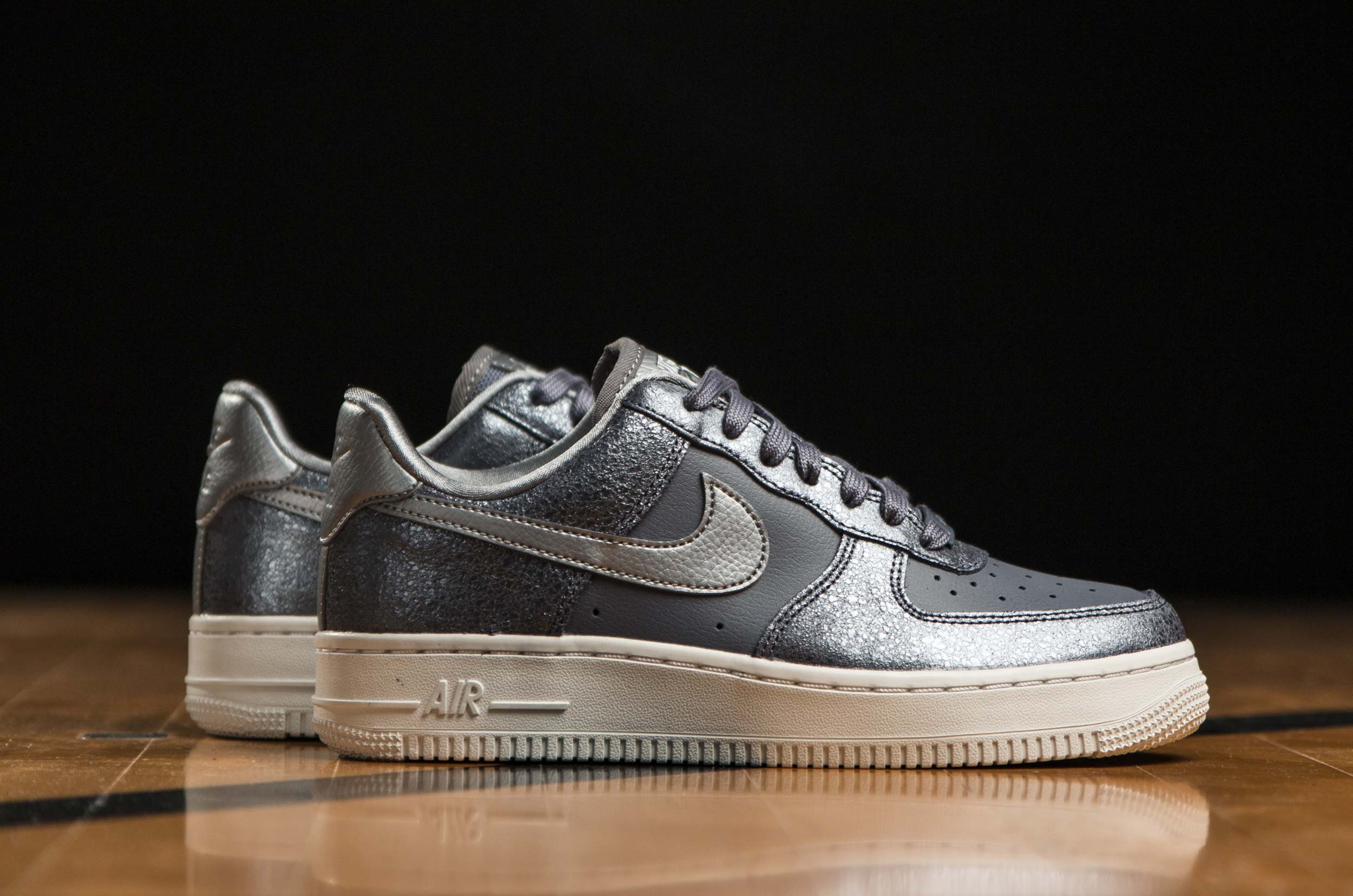 4fb1753f96b NIKE AIR FORCE 1 '07 PREMIUM 896185-005 Ανθρακί ...