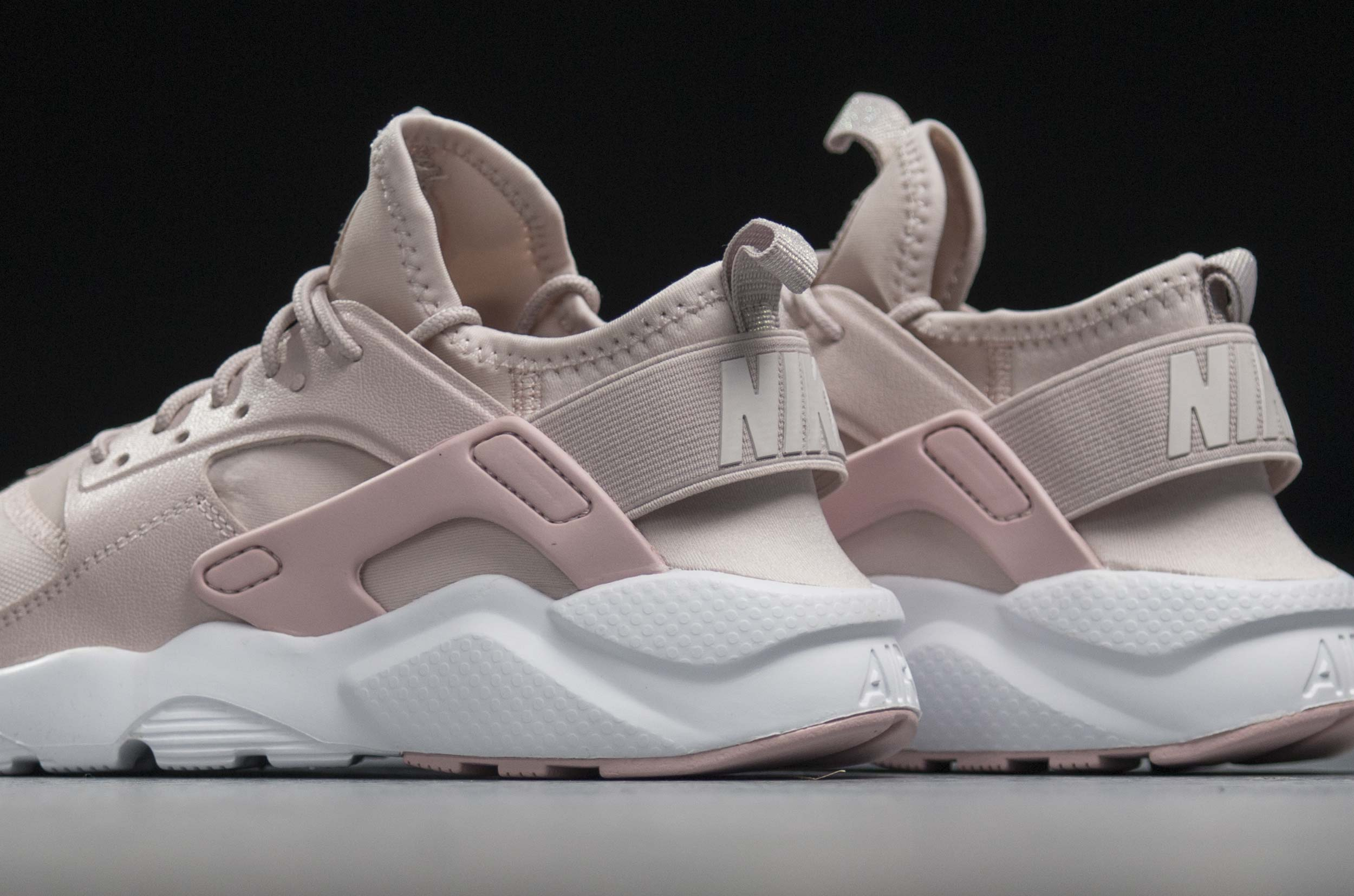 NIKE AIR HUARACHE RUN ULTRA PRM GS AV3225-600 Ροζ